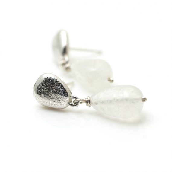 Silver pebble earring with moonstone drops