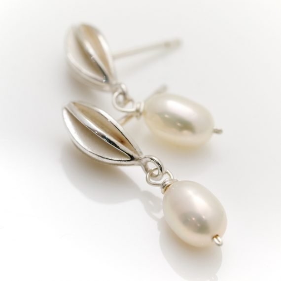 silver pod stud earring with pearl drop