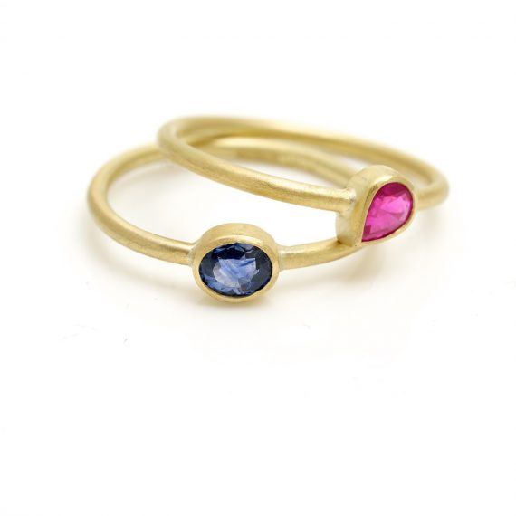 18ct gold tiny little finger rings with Ruby and Sapphire