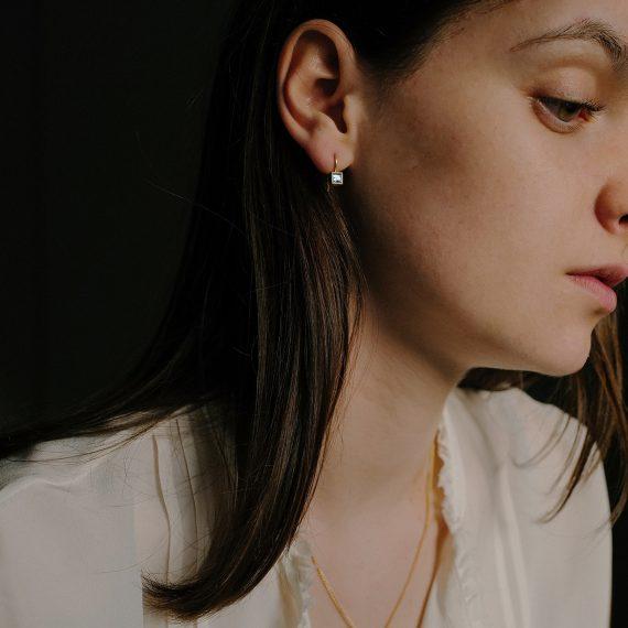 18ct gold square cut aquamarine drop earrings
