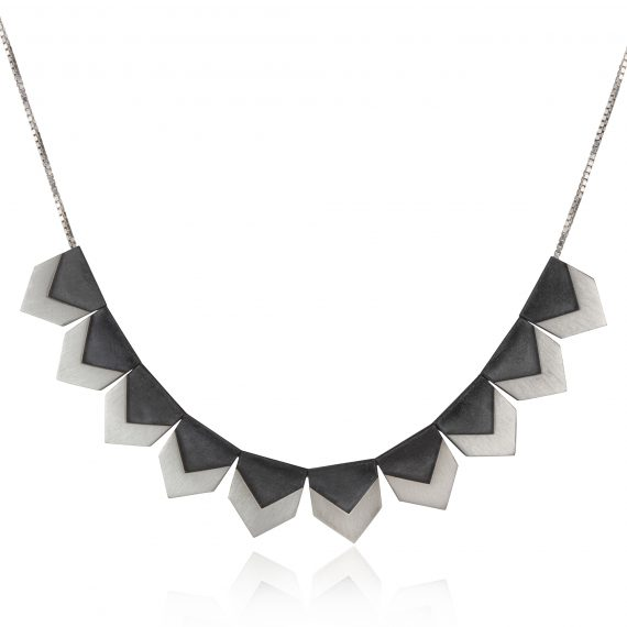 silver single row zigzag necklace