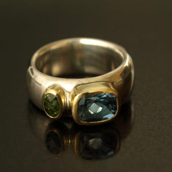 Tsavorite and peridot chunky ring